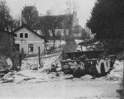 (фото: Тиренберг, февраль 1945 года. Автомобиль-амфибия Ford GPA, пострадавший в ходе боев)