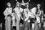 Организаторы сделали все возможное, чтобы даже те, кому не досталась главная корона, могли претендовать на призы. Титул «Мисс Юная Москва – 2021» достался Екатерине Вельмакиной (вторая слева)(фото: Андрей Никеричев/Агентство «Москва»)