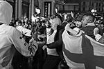 Кроме того, английские фанаты подрались друг с другом. Вице-спикер Госдумы Игорь Лебедев в комментарии газете ВЗГЛЯД назвал поведение английских фанатов «неадекватным с точки зрения обывателя, но с точки зрения футбольных болельщиков, это можно понять»(фото: Victoria Jones/PA/ТАСС)