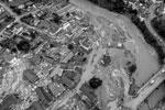 Подъезды к некоторым населенным пунктам невозможны из-за затопленных дорог и разрушенных мостов. Наводнение такой силы случалось в Западной Германии в последний раз 25 лет назад(фото: Michael Probst/AP/ТАСС)