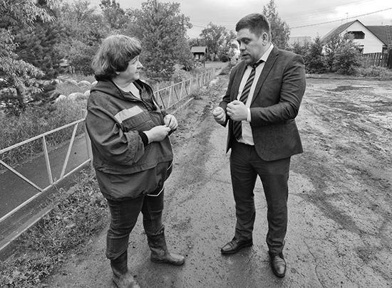 Депутат Ирина Дроздова и заместитель министра Роман Минуллин