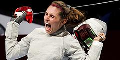 Российская спортсменка София Позднякова завоевала золотую медаль на Олимпиаде в Токио в соревнованиях по фехтованию на саблях. В финале она победила другую россиянку, Софью Великую. Таким образом, Россия получила и золото, и серебро в этом виде состязаний