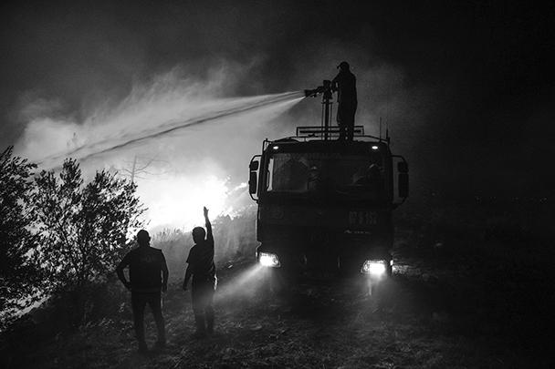 Генконсульство России в Анталье призвало находящихся в пожароопасных регионах Турции российских граждан быть предельно внимательными и готовыми к возможной эвакуации