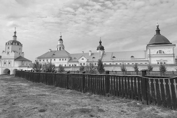 Богородице-Успенский мужской монастырь ожил в Свияжске самым первым.