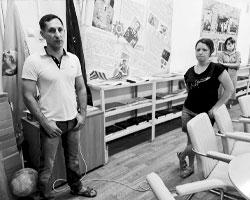 Виталий Стариков и Светлана Цапулина в музее села Большая Елань (фото: Юрий Васильев/ВЗГЛЯД)