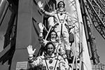 Пересильд и Шипенко проведут на орбите 12 суток и вернутся на Землю на корабле «Союз МС-18» вместе с космонавтом Новицким, который с апреля находится на МКС(фото: Сергей Савостьянов/ТАСС)