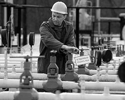 Цену на газ Россия понизит на 30%, получив взамен продление пребывания ЧФ в Севастополе (фото: ИТАР-ТАСС)