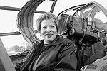 2004 год, Киргизия, Кант. Губернатор Петербурга Валентина Матвиенко сидит в кабине боевого самолета во время посещения российской авиабазы(фото: ИТАР-ТАСС)