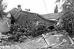 Метров двести от автостанции. Этот домик уже не восстановить, даже печки не осталось. Соседка сказала, что отсюда и до автостанции погибло 12 человек (там всего несколько десятков домов)(фото: 23.mvd.ru)