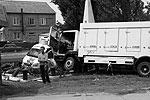 Сносило даже груженые фуры. Эти машины уткнулись в ветеранское надгробие(фото: Валерий Павлов, журналист)