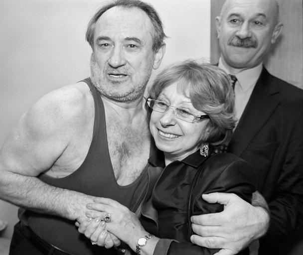 Народный артист СССР Богдан Ступка (на снимке слева) и народная артистка России Лия Ахеджакова (справа)
