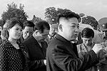 Здесь Ли Суль Чжу еще в качестве невесты верховного руководителя КНДР. Фотографии сделаны на музыкальном шоу в Пхеньяне в начале июля(фото: Reuters)