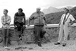 На роль Нины, которую в старом кино блестяще исполнила Наталья Варлей, пригласили актрису и певицу Анастасию Задорожную (слева). По сценарию, она приезжает на юг за адреналином – летает на дельтапланах и тусуется в компании бейсеров(фото: ИТАР-ТАСС)