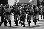 Китайское правительство лишь потребовало от демонстрантов «действовать рационально», протестуя против «национализации» Японией спорных островов (фото: Reuters)