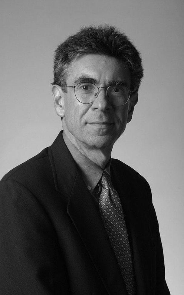 Роберт Лефковиц родился в 1943 году в Нью-Йорке, сейчас работает в Медицинском центре университета Дьюка в городе Дарем, штат Северная Каролина.