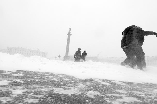 В Петербурге прошла настоящая метель