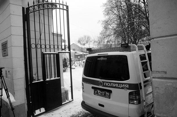 73-летний уроженец Грузии Усоян считался одним из наиболее влиятельных воров в законе, действовавших в России в последние два десятилетия. По информации профильных СМИ, Дед Хасан был союзником другого криминального авторитета – Вячеслава Иванькова (Япончика), застреленного в Москве в 2009 году