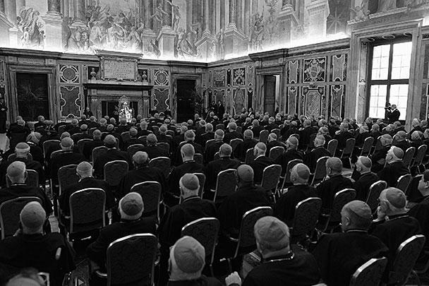 Бенедикт XVI поблагодарил всех кардиналов, которые служат в Римской курии или прибыли в Ватикан для участия в будущем конклаве