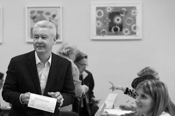 Кандидат в мэры Москвы Сергей Собянин на избирательном участке
