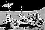 Лунный автомобиль (лунный вездеход, англ. lunar rover, от англ. lunar roving vehicle, сокр. LRV) – четырехколесный транспортный планетоход для передвижения людей по поверхности Луны, использовавшийся в ходе последних экспедиций программы «Аполлон» – «Аполлон-15», «Аполлон-16» и «Аполлон-17» в начале 1970-х годов. Разработчик и генеральный подрядчик – Boeing(фото: nasa.gov)