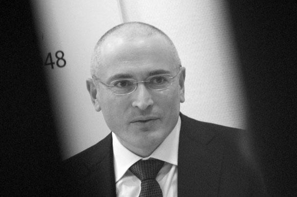 Михаил Ходорковский, помилованный указом президента России, высказался против бойкота Олимпиады в Сочи, назвав ее «праздником спорта» для миллионов людей. «Что касается Сочи, я сторонник той позиции, что это праздник спорта, праздник для миллионов людей и не надо его портить», — сказал он, выступая на пресс-конференции в Берлине
