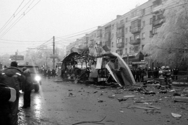 В качестве одной из вероятных версий взрыва Национальный антитеррористический комитет (НАК) рассматривает подрыв бомбы, заложенной в салоне троллейбуса