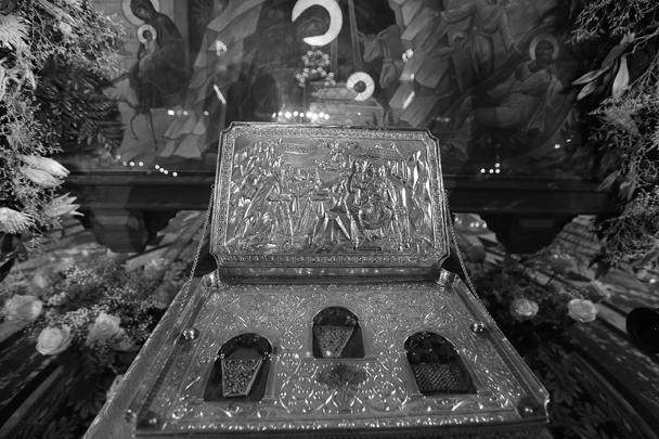 В храм Христа Спасителя в Москве к началу Рождественской службы была доставлена великая христианская святыня – Дары волхвов