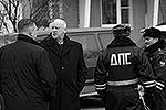 На место происшествия прибыл председатель Следственного комитета России Александр Бастрыкин. В его ведомстве также сообщили, что при захвате школы злоумышленником было сделано не менее 11 выстрелов(фото: РИА