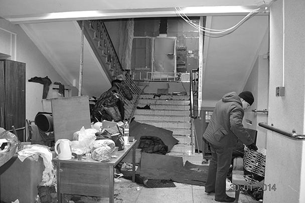 Кабинеты министерства завалены бытовым мусором и поломанной мебелью