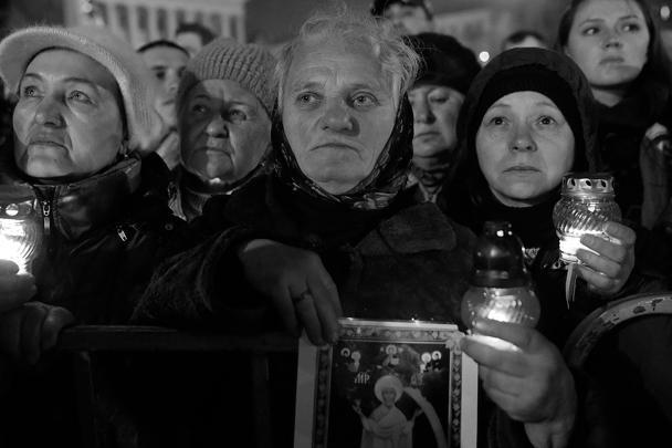 Протестующие встретили Тимошенко радушно, но попросили не забыть, кто совершил революцию