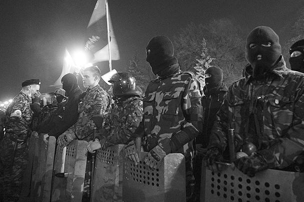 Как ранее заявил газете ВЗГЛЯД один из представителей «Правого сектора», «если люди будут недовольны нынешней властью, то новая революция возможна, и тогда «Правый сектор» снова станет авангардом этой революции»