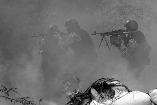 Ополченцы Славянска вместе с подкреплением, прибывшим из города Красный Лиман, отбили наступление украинских военных (на фото), участвующих в «спецоперации». Добровольцы – даже безоружные – продолжают прибывать на стратегический пункт, передают местные СМИ