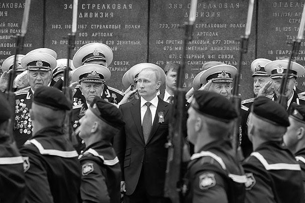 Владимир Путин отметил огромный нравственный вклад ветеранов в возвращение Крыма и Севастополя в Россию