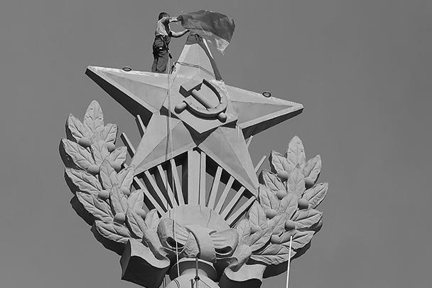 Подозреваемые в причастности к вандализму задержаны: в ОВД «Таганский» доставлены несколько молодых людей с альпинистским снаряжением, все они жители Москвы и области