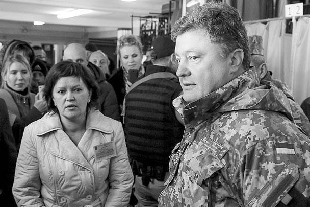 Действующий президент Украины Петр Порошенко через нынешние выборы планирует серьезно увеличить число своих сторонников во власти