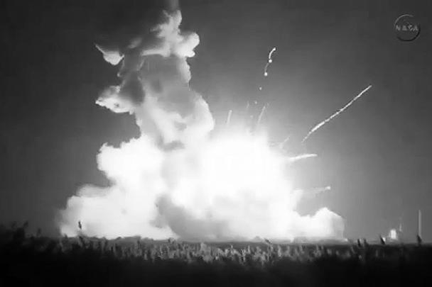 Мощный взрыв произошел примерно через 6 секунд после пуска