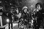 В результате скачка давления газа на газораспределительной подстанции в 18 квартирах в центре Москвы произошли пожары. Все они на данный момент потушены. В общей сложности пришлось эвакуировать не менее 600 жителей столицы. В МЧС разбираются с причинами происшествия(фото: Сергей Фадеичев/ТАСС)