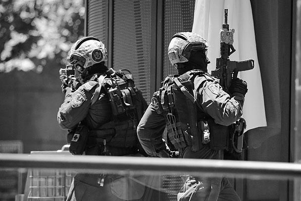 Уровень террористической угрозы был поднят в Австралии в сентябре этого года, после ряда заявлений в адрес этой страны со стороны группировки ИГ