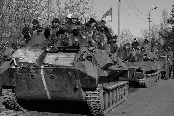 Порошенко также заявил, что подразделения подконтрольных Киеву силовиков после отхода от Дебальцево «заняли оборону на новых рубежах»