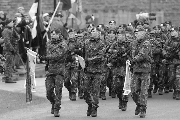 Так солдаты НАТО отметили День независимости Эстонии. Данный праздник проводится ежегодно 24 февраля в честь принятия в Таллине Декларации о независимости Эстонии в 1918 году