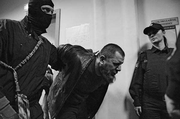 Анзор Губашев обвиняется по статьям, по которым предусмотрено наказание от 8 до 20 лет лишения свободы. «Достаточно оснований обвинять Губашева в причастности к указанному преступлению, что подтверждается материалами дела», – заключил судья