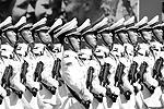 На площади можно было увидеть парадные расчеты вооруженных сил Китая, а также Азербайджана, Армении, Белоруссии, Казахстана, Киргизии, Таджикистана, Индии, Монголии, Сербии (всего 10 парадных расчетов численностью 732 человека)(фото: Reuters)