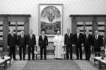 Представители делегаций с обеих сторон остались довольны встречей, несмотря на негатив, который пытались навести на нее США: Штаты раскритиковали папу римского и посоветовали «не доверять Путину»(фото: kremlin.ru)