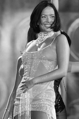 Жанна была, пожалуй, самой яркой представительницей «Блестящих», а уйдя из группы, начала сольную карьеру