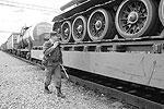 Пограничники обнаружили танк при досмотре железнодорожного состава(фото: пресс-служба УФСБ по Челябинской области)