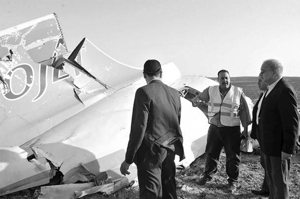 Премьер-министр Египта И. Шариф посетил место крушения российского самолета Airbus A321 на Синайском полуострове
