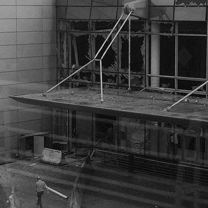 Аэропорт Брюсселя после случившегося был закрыт, пассажиров эвакуировали