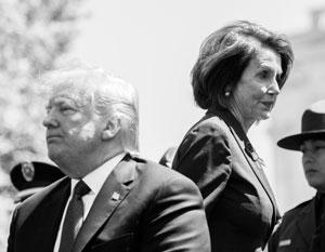 Дональд Трамп и Нэнси Пелоси редко оказываются вместе в одном месте