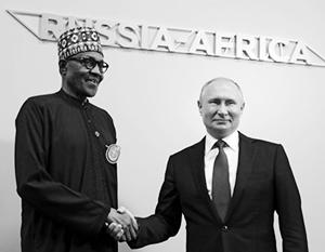 Владимир Путин с Мохаммаду Бухари, президентом Нигерии - крупнейшей африканской страны с населением 190 миллионов человек.
