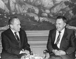 В 1992 году Андрей Козырев встречался в Москве с Ричардом Никсоном и заявил об отсутствии у России национальных интересов